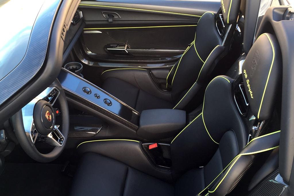 Porsche918_Interior